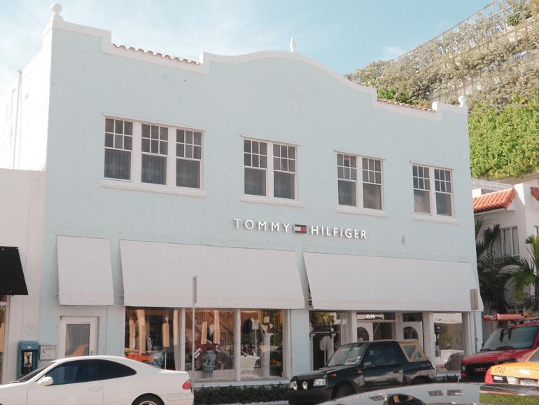 Art Deco gebouw lichtblauw in Miami