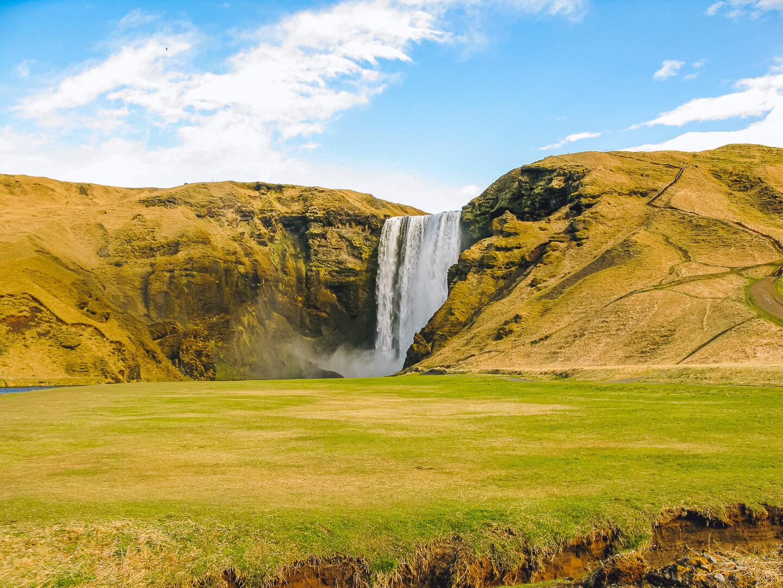 Seljalandsfoss Waterval in IJsland-YourTravelReporter.nl