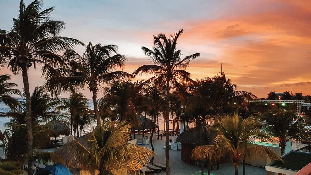 Mambo Beach, de mooiste stranden van Curaçao YourTravelReporter.nl
