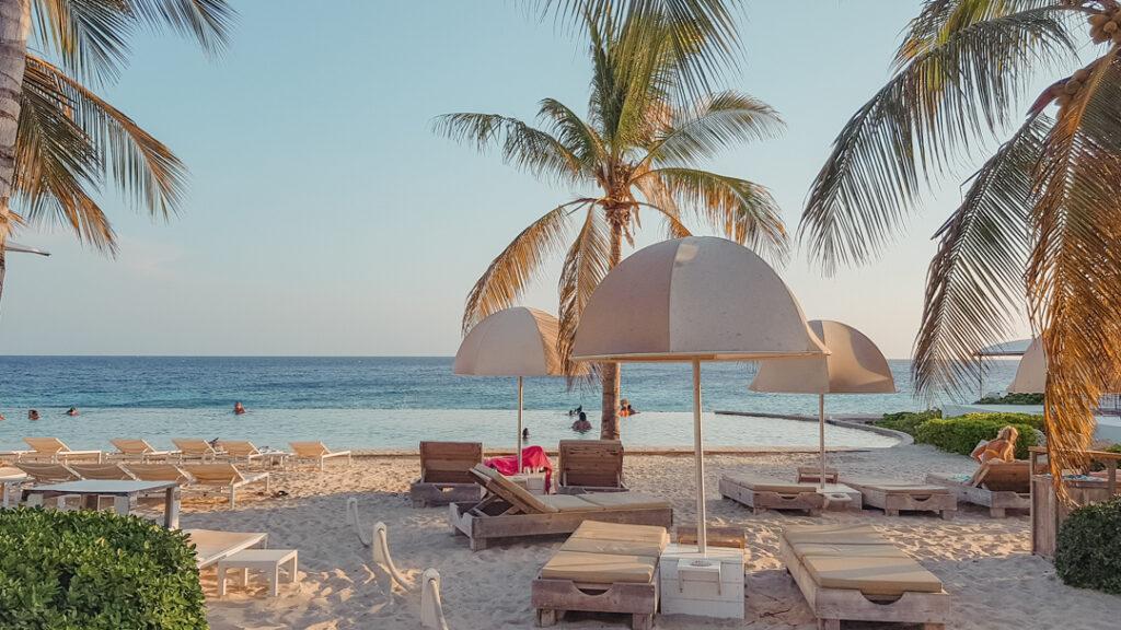 5-paradijselijke-Oceanfront-hotels-in-Curacao-YourTravelReporter.nl