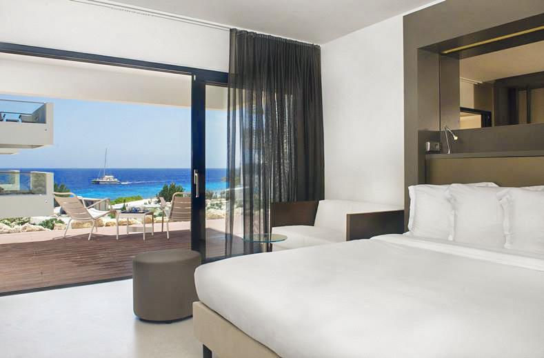 Kamers met zeezicht bij Papagayo-Beach-Hotel-het-mooiste-hotel-op-Curacao-met-infinity-pool-YourTravelReporter.nl